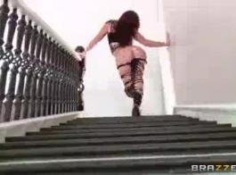 الحب ماندي لاتينا يحصل لها الحمار مارس الجنس