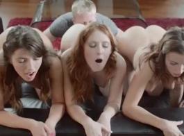 نجم ليندسي يعمل كسكرتير ومرة واحدة في حين تحصل مارس الجنس بدلا من القيام بعملها