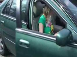 الفرخ الحلو هو الحصول على مسمر في الجزء الخلفي من السيارة، فقط للمتعة منه.