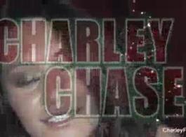 تشارلي تشيس يلتقي والملاعين كس أسود كبير