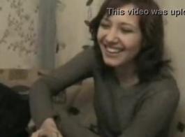 اثنين من المراهقين الروس من مجموعة الحي وجود الثلاثي مثليه