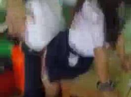 طلاب كلية قرنية يحجبون في حفلات الرقص