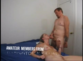 حصل الأمين مثير على قرنية سوبر عندما قرر صاحب العمل أن يمارس الجنس مع أدمغتها